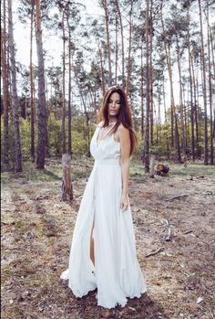 Luxusné spoločenské šaty od slovenskej módnej návrhárky Katky Vavrovej Dresses, Fashion, Vestidos, Moda, Fashion Styles, Dress, Fashion Illustrations, Gown, Outfits