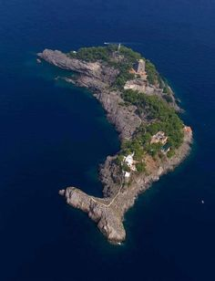 Dolphin Island - natural archipelago off Italy's Amalfi Coast between Capri and Positano Beautiful World, Beautiful Places, Almafi Coast, Isle Of Capri, Destinations, Delphine, Southern Italy, Wonders Of The World, Places To See