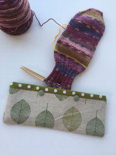 Double Pointed Knitting Needle Cozy - Crochet Hook Holder - DPN Pouch - Needle Cozy - Needle pouch - Sock Knitting Holder - Sock knitting by LowlandOriginals on Etsy Diy Crochet Hook, Baby Blanket Crochet, Easy Crochet, Crochet Baby, Free Crochet, Knitting Kits, Knitting Socks, Double Pointed Knitting Needles, Crochet Needles