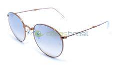 Para se manter um óculos redondo relevante, o Ray Ban RB 3532 foi atualizado com um design dobrável prático. Bonito e cheio de detalhes, é onde a forma encontra a função.  http://www.oticasbrasil.com.br/ray-ban-round-metal-dobravel-rb-3532-198-9u-oculos-de-sol