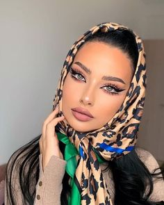 Skin Makeup, Hair Looks, Hair And Nails, Winter Outfits, Hair Beauty, Make Up, Beautiful, Instagram Makeup, Makeup Ideas