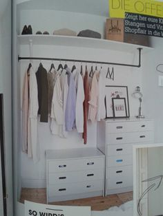 7 Ideas to transform a spare room into a closet (Daily Dream Decor) Too many clothes and not enough space in your bedroom? Well, it' time to think about a spare room. A pantry, a hallway, or another extra bedroom can. Extra Bedroom, Home Bedroom, Bedroom Ideas, No Closet Bedroom, Closet Dresser, Wardrobe Small Bedroom, Closet Ideas For Small Spaces Bedroom, Master Bedroom, Spare Room Closet