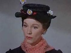 Julie Andrews jako Mary Poppins w filmie opartym na książkach P. Mary Poppins Hat, Mary Poppins Movie, Julie Andrews, Old Movies, Nice View, Cosplay Costumes, Actors & Actresses, Hats, Boater Hat