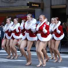 """Christmas in August"" with the Rockettes: 2009 Radio City Music Hall Christmas Spectacular Kick Off"