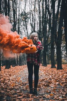 Smoke Bomb photography // Halloween Photography // Pumpkin Photography // Fall Photography // Fall Photography Ideas // Fall Photography Portrait photography ideas portraits always outside. Halloween Photography, Autumn Photography, Creative Photography, Portrait Photography, Photography 101, Photography Lighting, Photography Awards, Autumn Aesthetic Photography, Photography Competitions