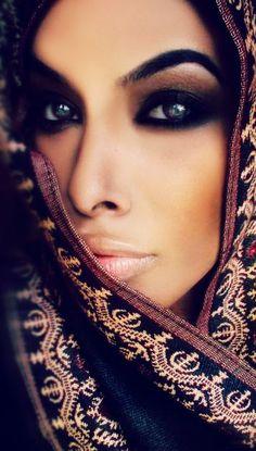 Arabian Beauty www.arabesdating.com