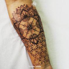 Somos de Osorno ✌ #ShoTattooStudio ⚡ Agenda tu cita con anticipación Whatsapp al +56 9 44562150 Estamos ubicados en: Ramón Freire 759 oficina 1a, Osorno, Chile. #drawing #draw #ink #tattoo #art # #tattooosorno #shotattoostudio #cristianorlando #graciasporsuconfianzaypreferencia #tattooartist #tattoocollection #osorno #osornochile #chile #plttattoomachines #bodyart #muchasgraciasporlaconfianzaypreferencia #november #custom #diseñopersonalizado #kultrun #mapuche #dotwork #blackwork