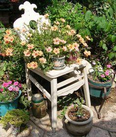 idee shabby per arredare un balcone o un giardino con le vecchie ... - Idee Patio Con Giardino