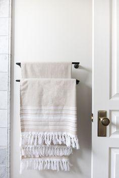 Fringe Turkish Towels on Towel Rack in Bathroom Industrial Showers, Bathroom Towels, Bathroom Stuff, Bathroom Ideas, Bathroom Canvas, Bath Ideas, Small Bathroom, Master Bathroom, Turkish Bath Towels