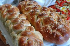 A lovely egg and honey enriched, braided Challah recipe. Traditionally served with Sabbath dinner. Rich, sweet and moist. Lovely with butter or jam. Best Challah Recipe, Challah Bread Recipes, Brioche Bread, Kosher Recipes, Cooking Recipes, Cooking Bread, Jewish Recipes, Sweet Bread, Fresh Bread