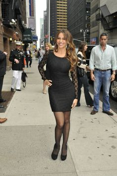 Sofia Vergara poses in a black dress with lace sleeves outside the Ed Sullivan Theater in New York City Beautiful Female Celebrities, Stunning Women, Beautiful Actresses, Sofia Vergara Pregnant, Sofia Vergada, Colombian Women, Sexy Heels, Mom Style, Sexy Dresses