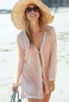 BIG hat, BIG sunglasses- bathing suit, beach and all the time in the world: SUMMER