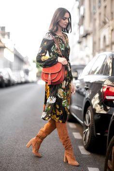 Este otoño vemos que los vestidos de largo midi, especialmente los de estampado boho, están copando la mayoría de las colecciones high street, y aunque es difícil verlos en la calle, tengo que reconocer que me llaman mucho, pese a que todavía soy reticente a este tipo de largos por mi estatura. Collage Vintage Bedazelive MDS Zara […]