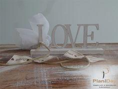 Μπομπονιέρα γάμου ξύλινο διακοσμητικό Love