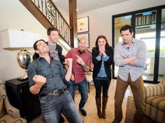 And the winner is....Jonathan! The judges loved the room's dramatic staircase, bookshelves and fireplace.  #BroVsBro