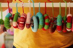 yarn wreath ornament tutorial.  #Christmas