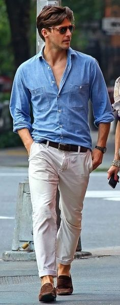Wear a baby blue denim shirt and nude chinos to create a great weekend-ready look. Turn your sartorial beast mode on and opt for a pair of dark brown suede loafers. Stylish Men, Men Casual, Smart Casual Menswear Summer, Casual Styles, Casual Summer, Casual Chic, White Casual, Brown Suede Loafers, White Chinos