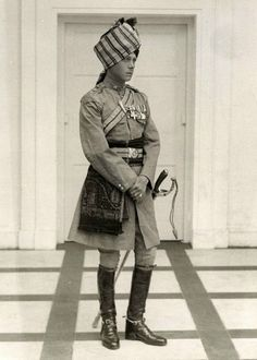 Edward Prince de Galles plus tard Duc de Windsor lors d un voyage en Inde  c.1920