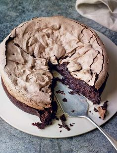 Double baked chocolate meringue brownie is part of Desserts - The two contrasting layers in Eric Lanlard's recipe one gooey and rich and the other crunchy with a marshmallow centre makes one incredible dessert Just Desserts, Delicious Desserts, Dessert Recipes, Yummy Food, Healthy Food, Dessert Food, Recipes Dinner, Baking Recipes Uk, Simple Dessert