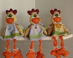Trio de galinhas com perninhas