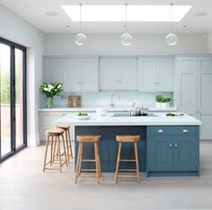 5 Wealthy Cool Tips: Kitchen Remodel Tile Upper Cabinets simple small kitchen remodel.Cheap Small Kitchen Remodel small kitchen remodel with island. Blue Kitchen Island, Kitchen Island With Seating, Kitchen Islands, Blue Shaker Kitchen, Kitchen Island Cabinet Colours, Islands With Seating, Kitchen Extension With Island, Kitchen Sink, Kitchens With Islands