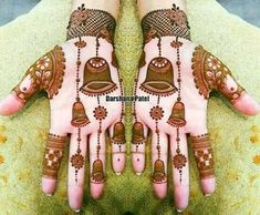 Best 12 Mehndi henna designs are always searchable by Pakistani women and girls. Women, girls and also kids apply henna on their hands, feet and also on neck to look more gorgeous and traditional. Easy Mehndi Designs, Latest Mehndi Designs, Dulhan Mehndi Designs, Mehndi Desing, Mehndi Art, Round Mehndi Design, Arabian Mehndi Design, Heena Design, Henna Mehndi