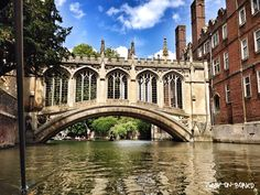 During one of my recent trips to England, I decided to spend 24 hours in Cambridge. I didn't really know what to expect, reading the town name mostly on the English text books I use at school…