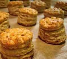 Ez a hamis krémtúrós recept eddig senkinek nem okozott csalódást Salty Snacks, Quick Snacks, My Recipes, Dessert Recipes, Cooking Recipes, Recipies, Seasoned Roasted Potatoes, Savory Pastry, Hungarian Recipes