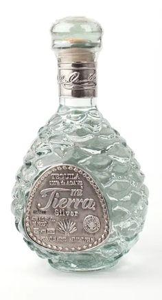 Tequila Bottles, Alcohol Bottles, Liquor Bottles, Perfume Bottles, Top Tequila, You And Tequila, Best Tequila Brands, White Oak Barrels, Agave Plant