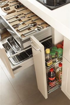 Modern Kitchen - Crazy Creative Kitchen Storage Ideas-Among the regions in a home where there's a considerable measure of activity is occurring is the kitchen. Kitchen Cabinet Organization, Kitchen Drawers, Kitchen Pantry, New Kitchen, Kitchen Storage, Kitchen Decor, Kitchen Cabinets, Cabinet Ideas, Updated Kitchen