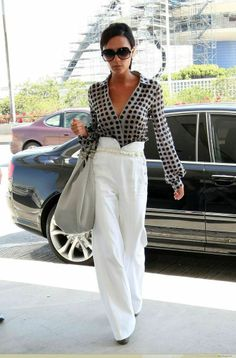 Victoria Beckham | Rue please repin if you like this picture - follow my pinterest or visit my official blog: http://mutefashion.com/