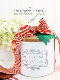 DIY Cookie Jar | Holiday Cookie Jar via @damasklove