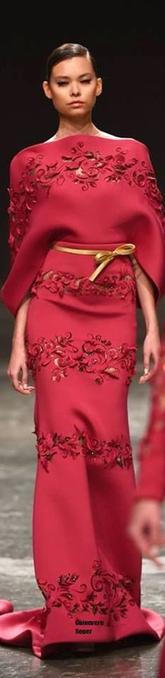 This would be a sweet Valentines Day dress. Finding a red dress that is sexy yet doesn't look tarty or like you're wearing underwear is unusual. LOVE the color. Red Fashion, Couture Fashion, Runway Fashion, High Fashion, Fashion Outfits, Beautiful Gowns, Beautiful Outfits, Robes Glamour, Looks Style