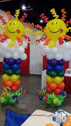 Balloons by Tommy - Photo Gallery - Balloon Sculptures … Balloon Pillars, Balloon Tower, Balloon Stands, Love Balloon, Balloon Arch, Balloon Garland, Balloon Ideas, Balloons And More, Rainbow Balloons