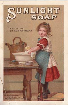 Chromo Sunlight Savon G D Leslie 1887 Vintage Children Photos, Vintage Pictures, Vintage Images, Vintage Labels, Vintage Cards, Vintage Postcards, Vintage Toys, Retro Poster, Retro Ads