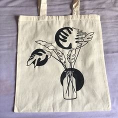 Tod Bag, Painted Canvas Bags, Diy Tote Bag, Diy Embroidery, Printed Tote Bags, Reusable Bags, Cloth Bags, Fabric Painting, Cotton Tote Bags