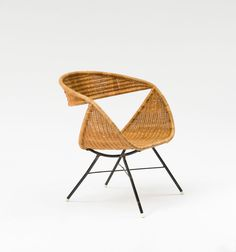 Hörlin-Holmquist, Kerstin (zugeschrieben)Sweden. Chair, 1950s. H. 68 x 65 x 55 cm. Tubular steel, painted black, meshwork.400/500 € Quittenbaum 24SEPT2013