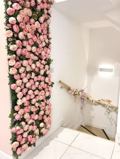 Picture Perfect London: Unicorn Lattes & Flower Walls at Sai.-Picture Perfect London: Unicorn Lattes & Flower Walls at Saint Aymes Picture Perfect London: Unicorn Lattes & Flower Walls at Saint Aymes - Nail Salon Design, Nail Salon Decor, Hair Salon Interior, Beauty Salon Decor, Makeup Studio Decor, Beauty Salon Design, Interior Design Pictures, Interior Design Software, Interior Design Images