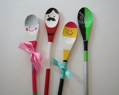 Fun creative kids arts and crafts projects for kids to do at home and class room. Find DIY kids crafts tutorials step by step with pictures Fun Crafts For Kids, Easy Crafts For Kids, Crafts To Do, Wooden Spoon Crafts, Wooden Spoons, Manualidades Halloween, Halloween Crafts, Cool Art Projects, Projects For Kids