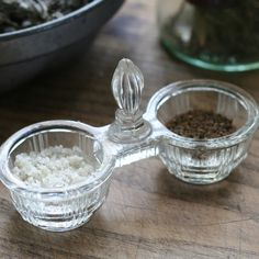 Vintage Pressed Glass Salt Cellar ~ Sunday. Brocantes