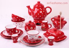 Teapots – Ceramic Tea Pot red white polka dots handmade – a unique product by SofiesHome on DaWanda Ceramic Tableware, Ceramic Teapots, Vintage Ceramic, Wedding Ceiling, Red Kitchen, Kitchen Larder, Fire And Ice, Pottery Painting, Hand Painted Ceramics