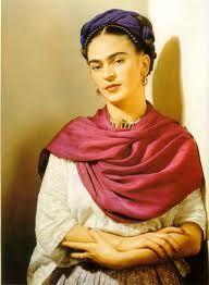 Magdalena Carmen Frida Kahlo Calderón, más conocida como Frida Kahlo (Coyoacán, 6 de julio de 1907 – ibídem, 13 de julio de 1954), fue una pintora mexicana. Casada con el célebre muralista mexicano Diego Rivera, su vida estuvo cruzada por el infortunio de una enfermedad infantil y por un grave accidente en su juventud que la mantuvo postrada durante largos periodos, llegando a someterse hasta 32 operaciones quirúrgicas.