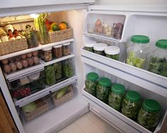 The Intentional Minimalist: Seasonal Cooking and Produce Storage Tips - being able to see your produce in jars encourages healthy cooking