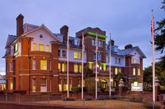 Holiday Inn Farnborough Hotel | Wedding Venue in Farnborough, Hampshire | The Wedding Community  #weddingvenues