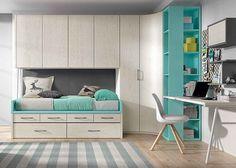 Dormitorio juvenil con armario rinconero y compacto de cajones.