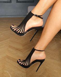 Pretty Shoes, Fancy Shoes, Crazy Shoes, Beautiful Shoes, Me Too Shoes, Hot Shoes, Shoes Heels, Killer Heels, Fashion Heels