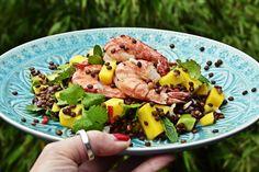 Rezept für asiatisch inspirierten Beluga-Linsensalat mit Mango, Avocado, Koriander