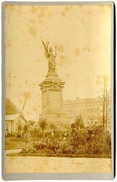Model van het Atjehmonument zoals te Batavia was opgericht, Koloniale tentoonstelling Amsterdam (1883)