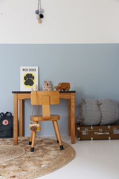 blue kids room vintage kids desk wilde dieren armadillo co rug vintage suitcase hall painted walls Kids Bedroom, Bedroom Decor, Bedroom Ideas, Lego Bedroom, Blue Bedroom, Kids Workspace, Kids Office, Kids Decor, Home Decor