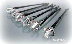 Belle étincelle pour vos cheveux !    Détails :    toupies cristal Swarovski couleur cristal de 8mm (également disponible en cristal clair ab)  Situé sur les épingles à cheveux ou u-pins en noir, argent ou bronze    sil vous plaît sélectionnez NIP choise lors du paiement des commandes sur mesure sont les bienvenus